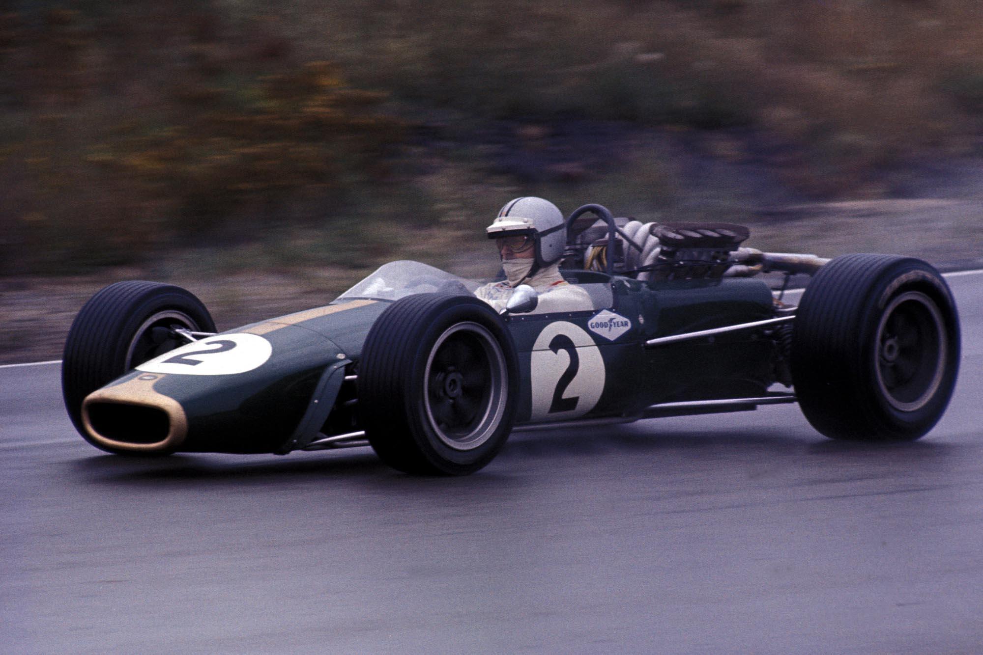 Denny Hulme (NZL) Brabham Repco BT24.