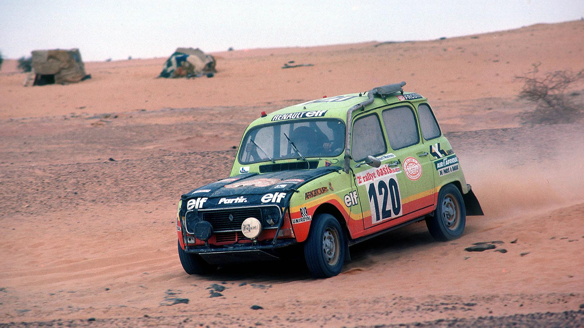 AUTO - OFF ROAD RALLY 1980 - PARIS ALGER DAKAR - N ° 120 - CLAUDE MARREAU (FRA) - BERNARD MARREAU (FRA) / RENAULT 4 SINPAR - ACTION - PHOTO: DPPI