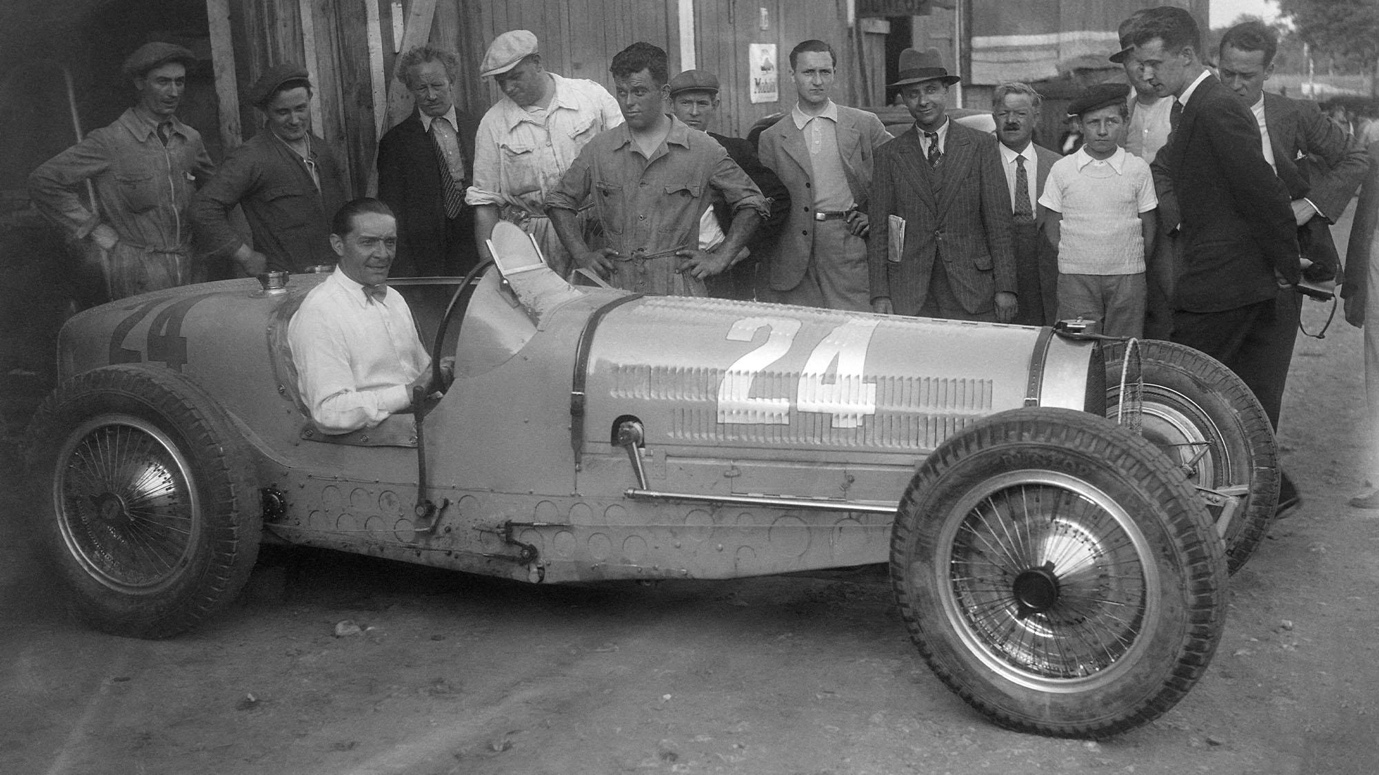 Robert Benoist, pilote automobile, en France en 1935. (Photo by Keystone-France/Gamma-Rapho via Getty Images)