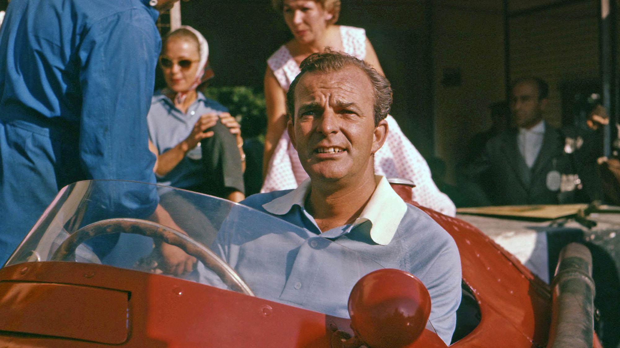 Harry Schell lead