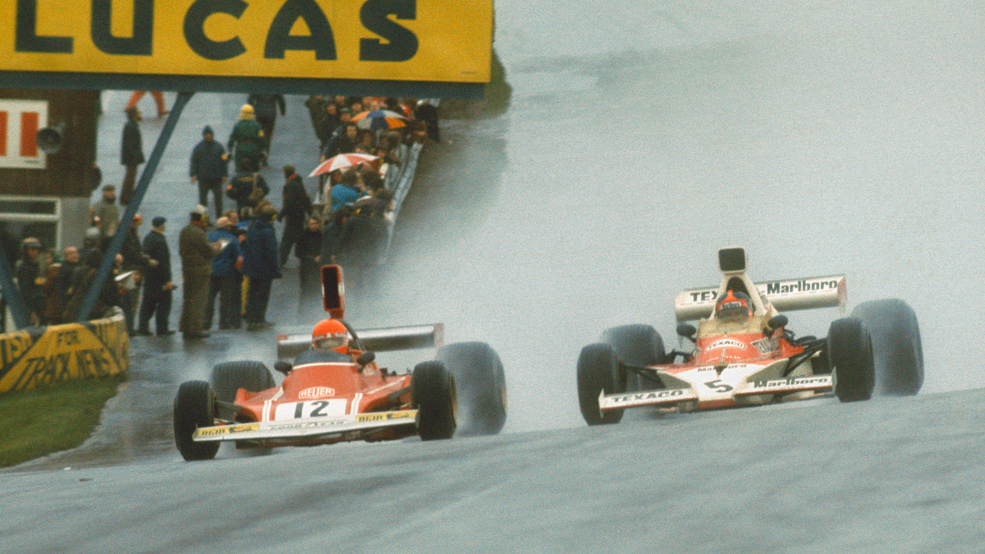 Emerson Fittipaldi and Nicki Lauda in the 1974 Race of Champions
