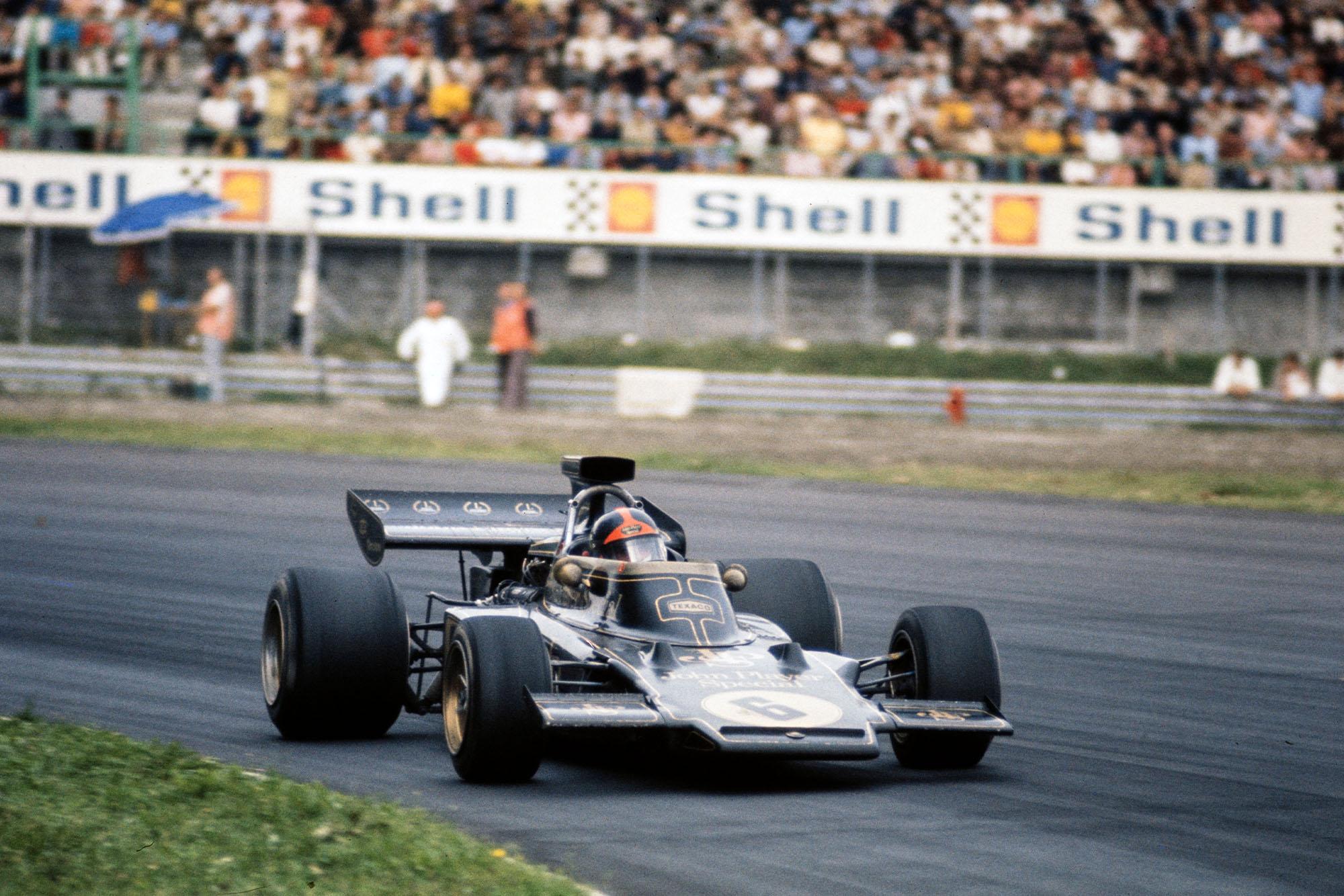 Emerson Fittipaldi rounds the Curva Sud during the 1972 Italian Grand Prix, Monza.