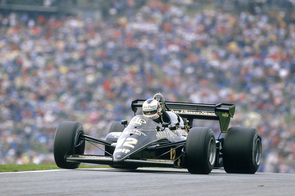 Nigel Mansell in his Lotus 95T Renault.