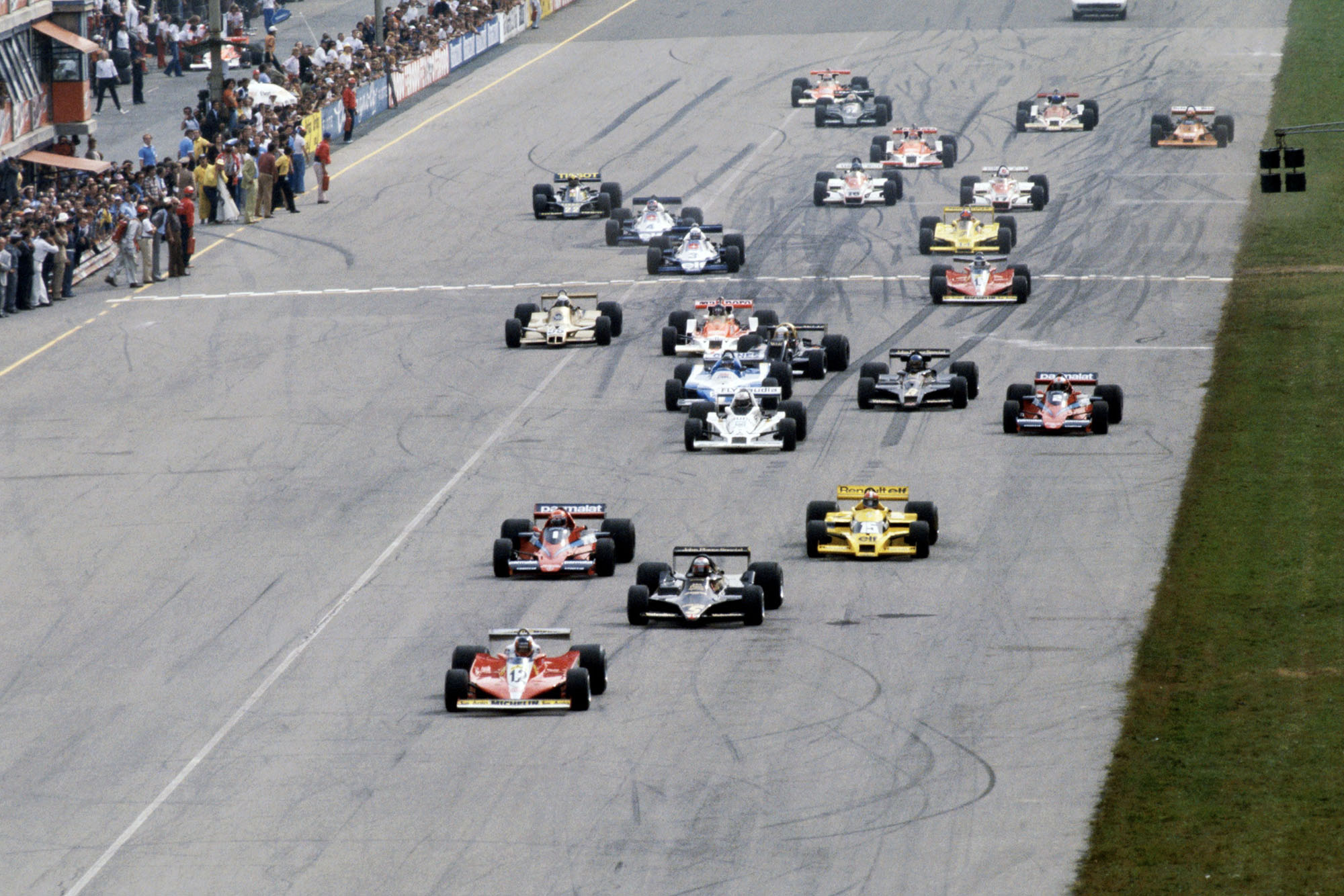 The 1978 Italian Grand Prix gets underway at Monza