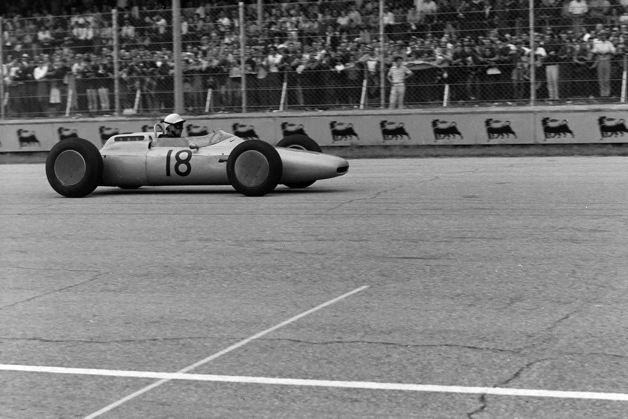 Jo Bonnier in the second Porsche