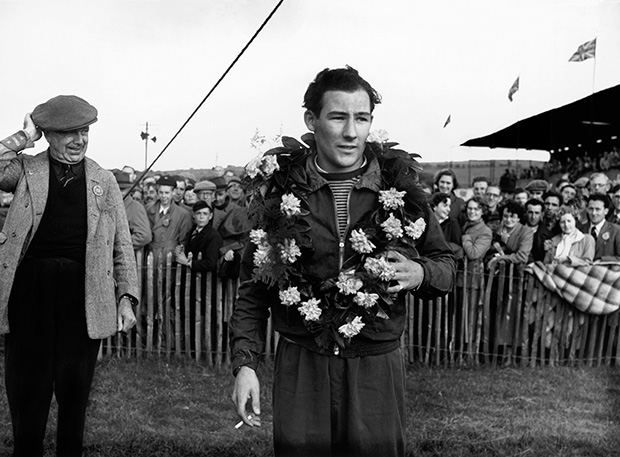 Precious footage of Stirling Moss