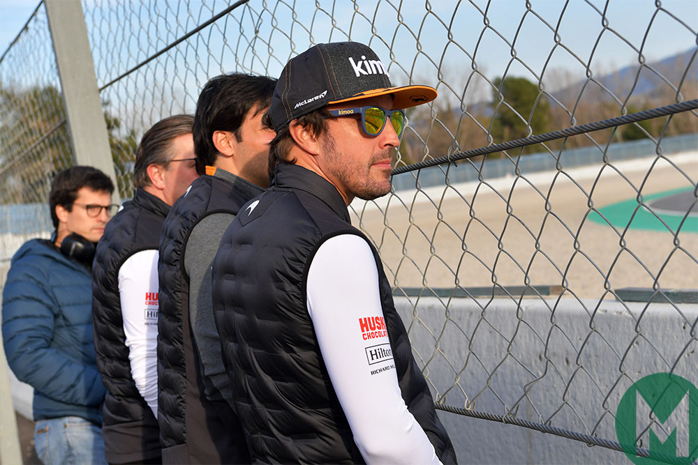 Alonso watches F1 testing