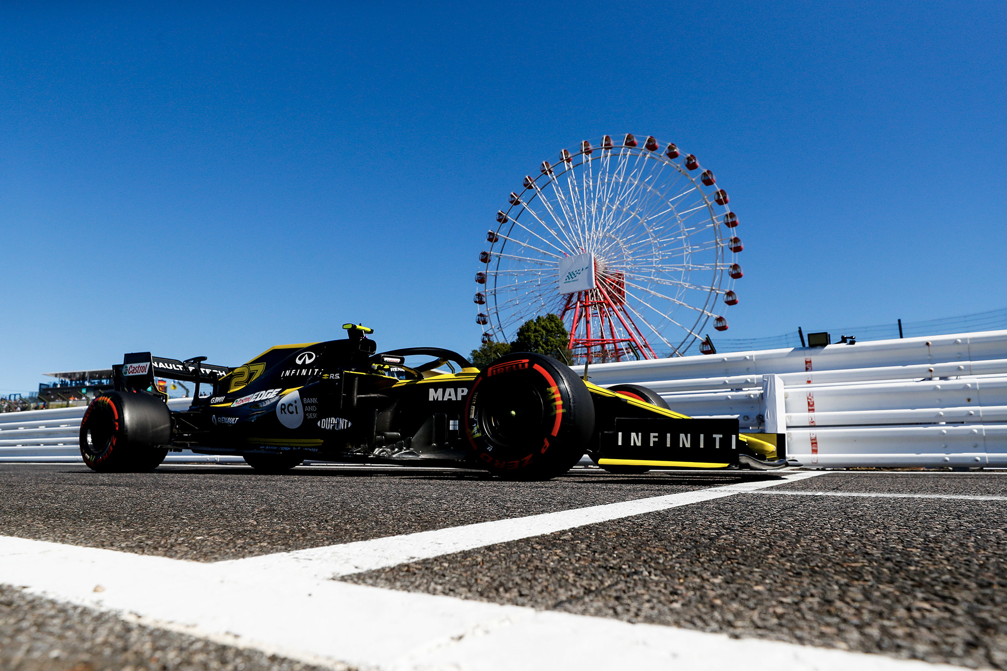 Nico Hulkenberg's Renault in front of Suzuka's big wheel at the 2019 Japanese Grand Prix