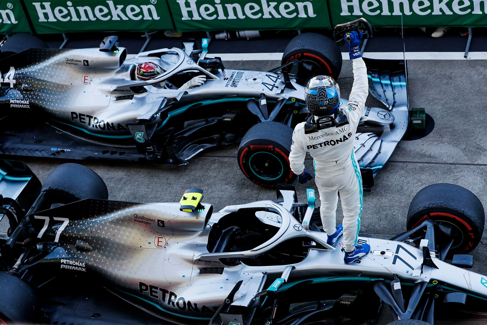 Valtteri Bottas celebrates winning the 2019 Japanese Grand Prix