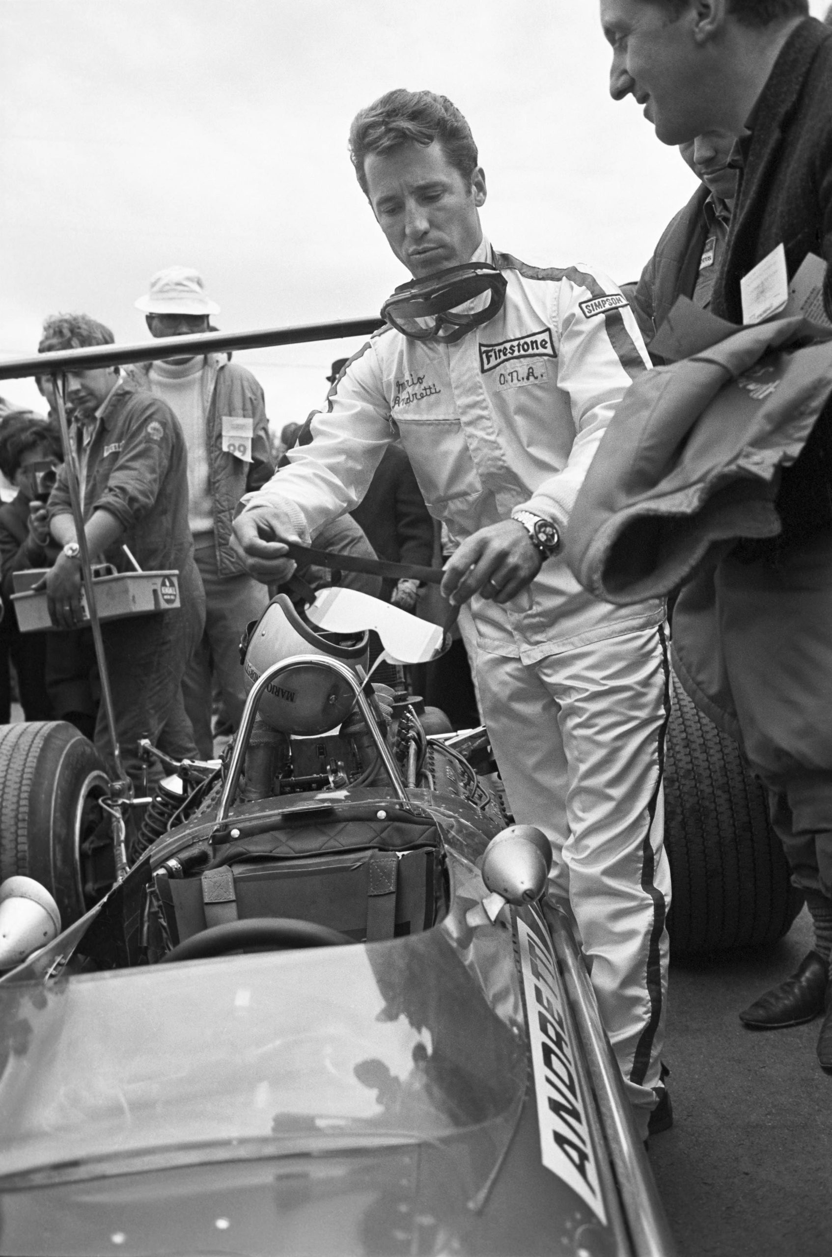 Mario-Andretti-on-the-grid-at-Watkins-Glen-for-the-Us-Grand-Prix-in-1968