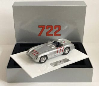 Product image for Stirling Moss – Mercedes-Benz 300 SLR – 1955 | Box-Set | signed Stirling Moss | 1:18 scale