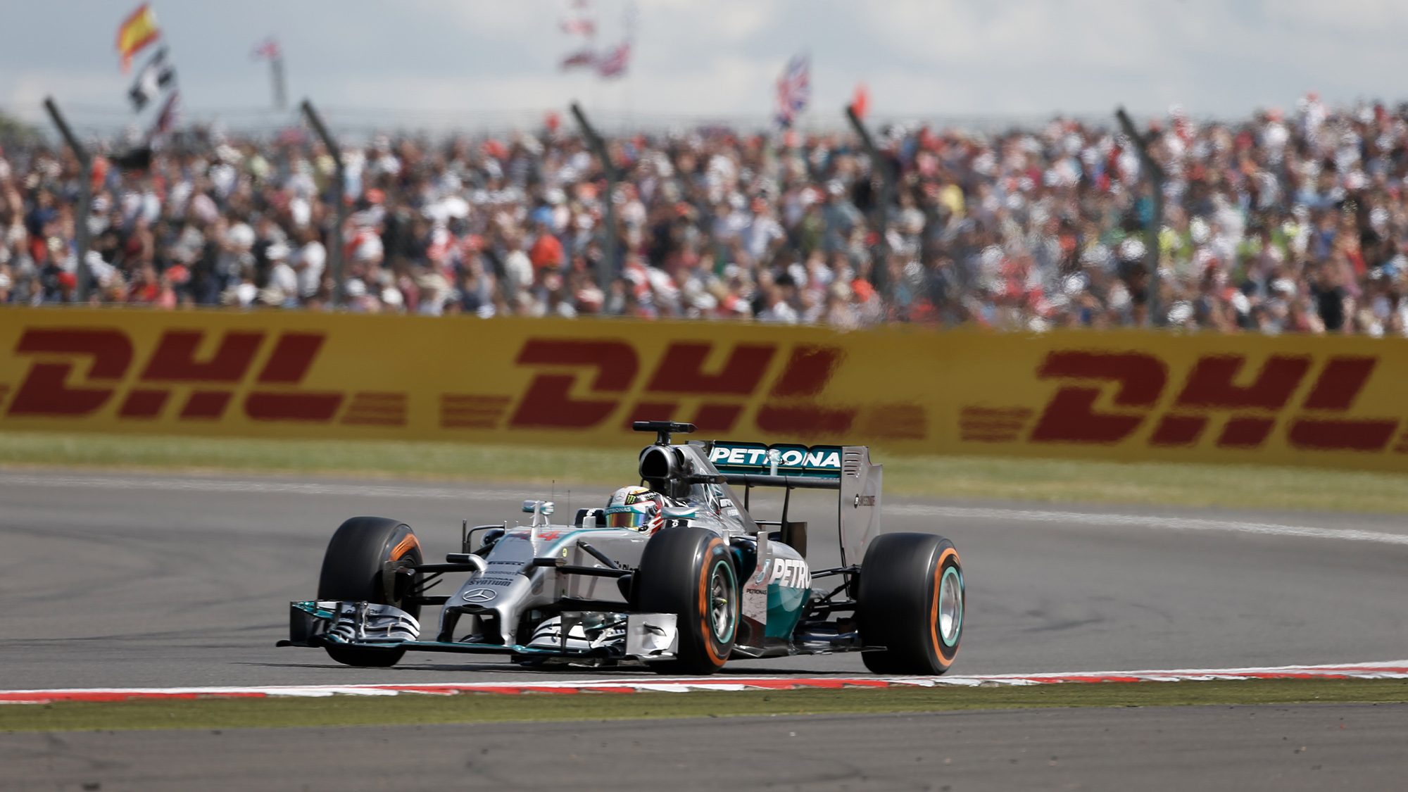 Lewis Hamilton on his way to victory in the 2014 British Grand Prix at SilverstoneFrancois Flamand / DPPI
