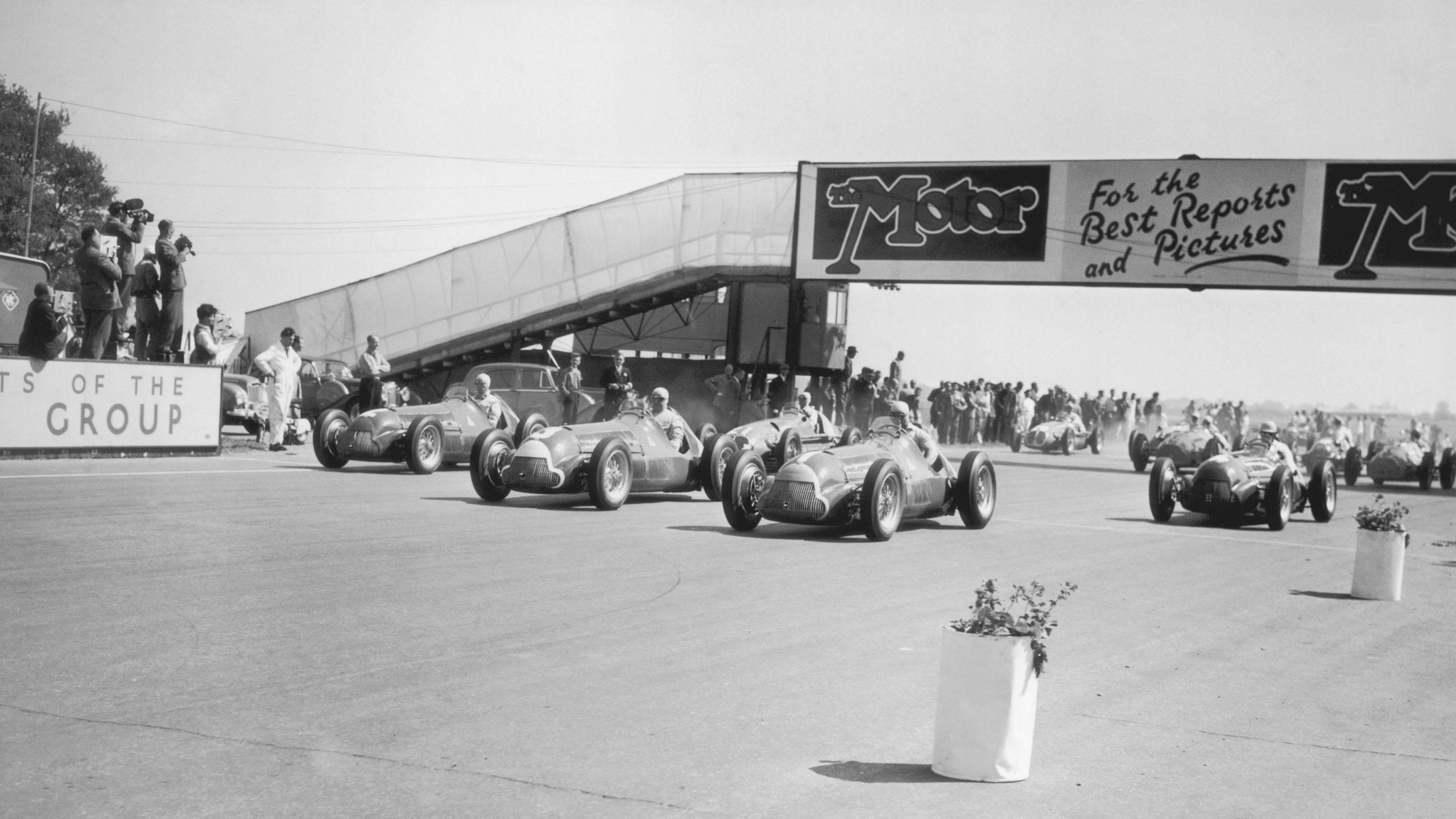 Start-of-the-1950-British-Grand-Prix-at-Silverstone