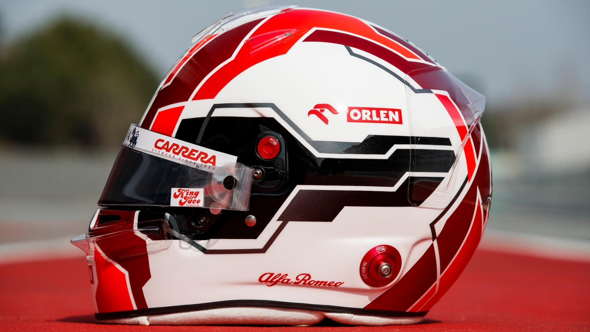 Antonio Giovinazzi 2021 F1 helmet