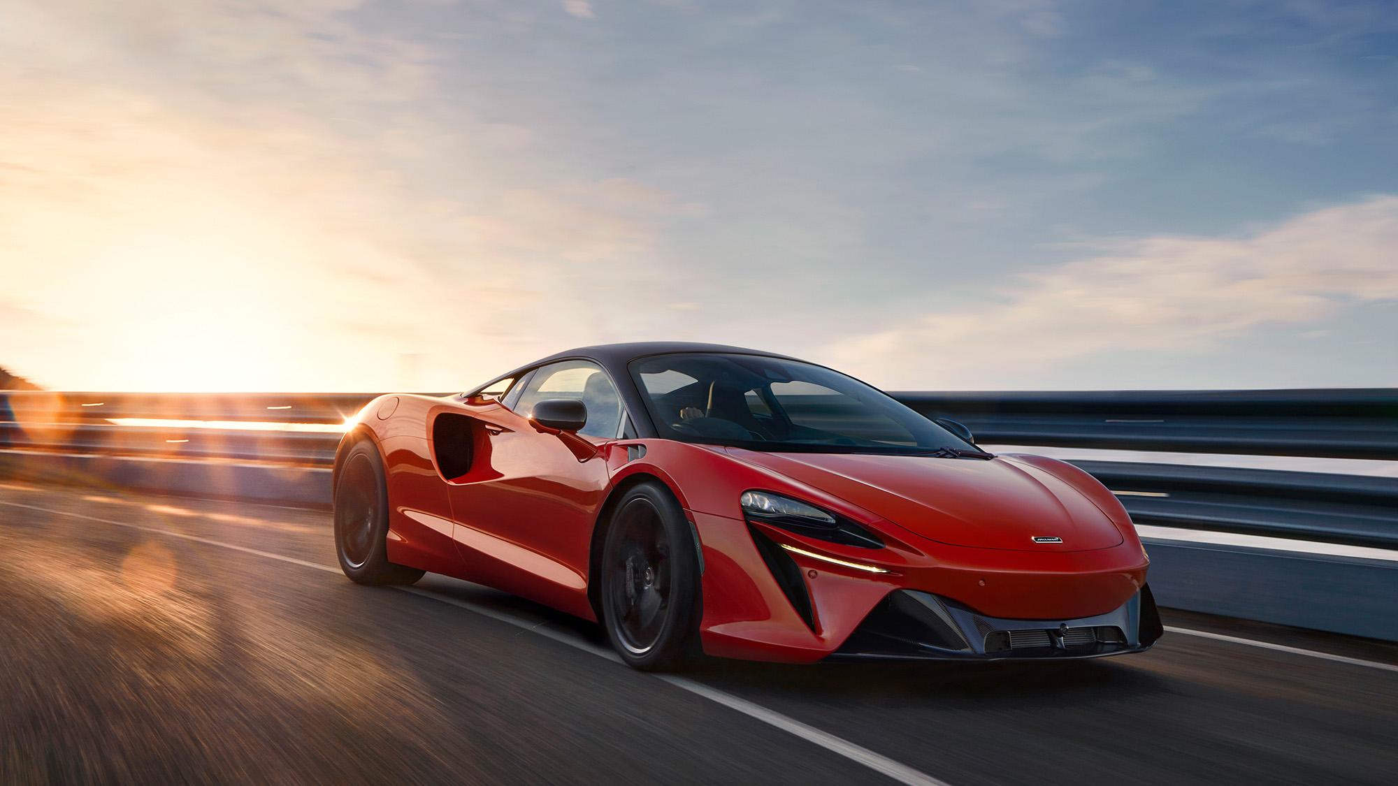 2021 McLaren Artura front tq