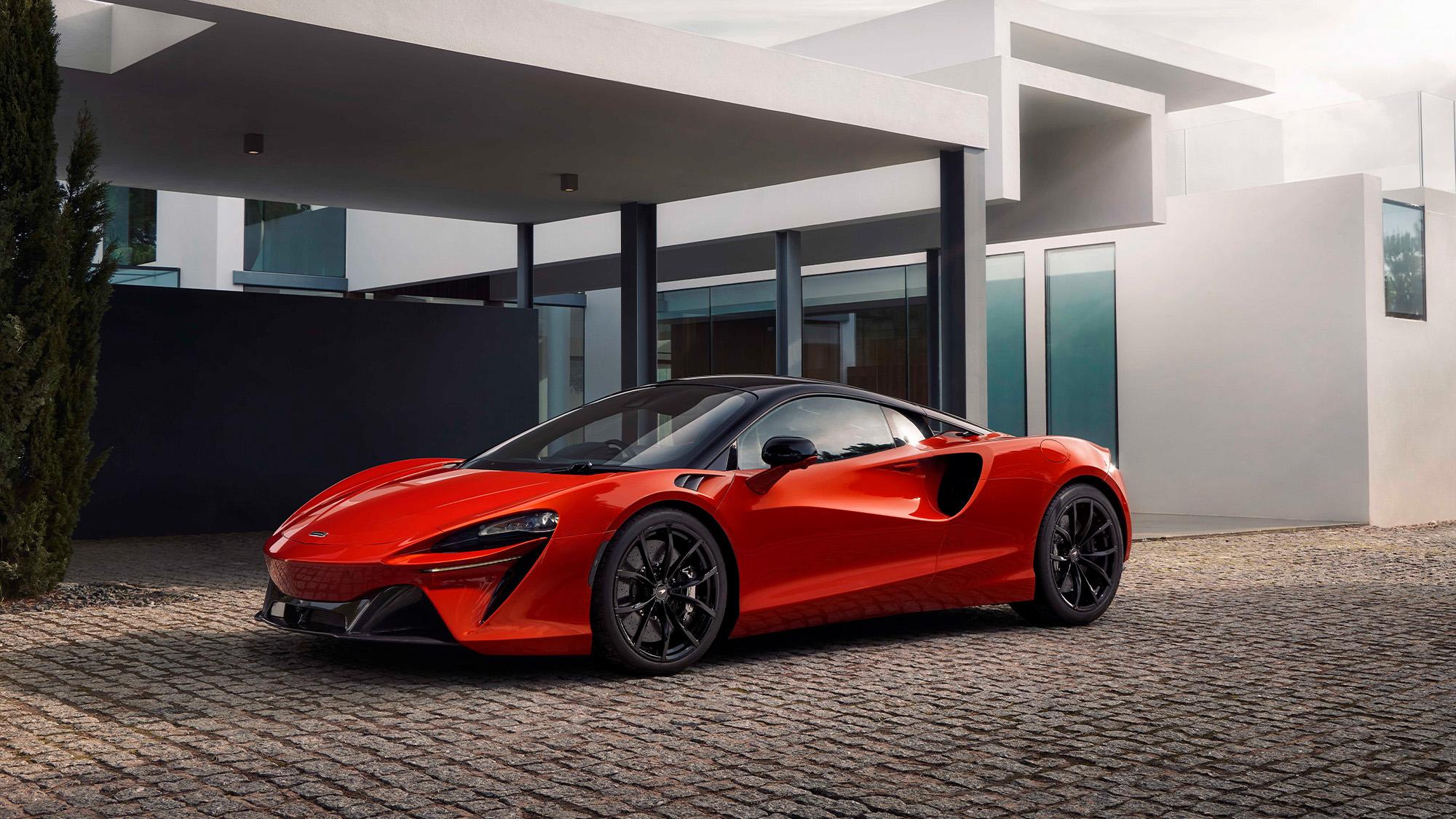 2021 McLaren Artura parked