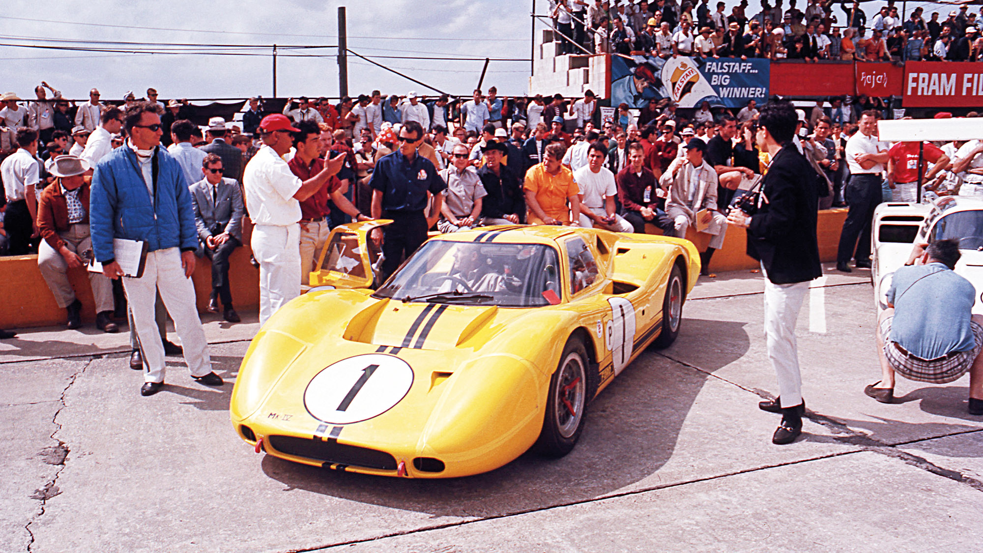 Ford MkIV at Le Mans in 1967
