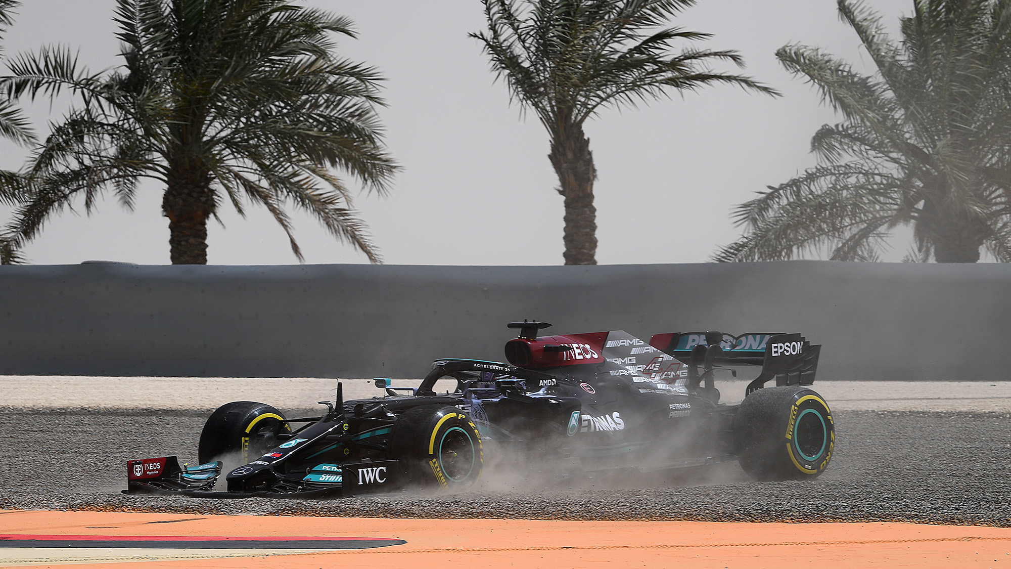 Lewis Hamilton spins of in 2021 F1 testing