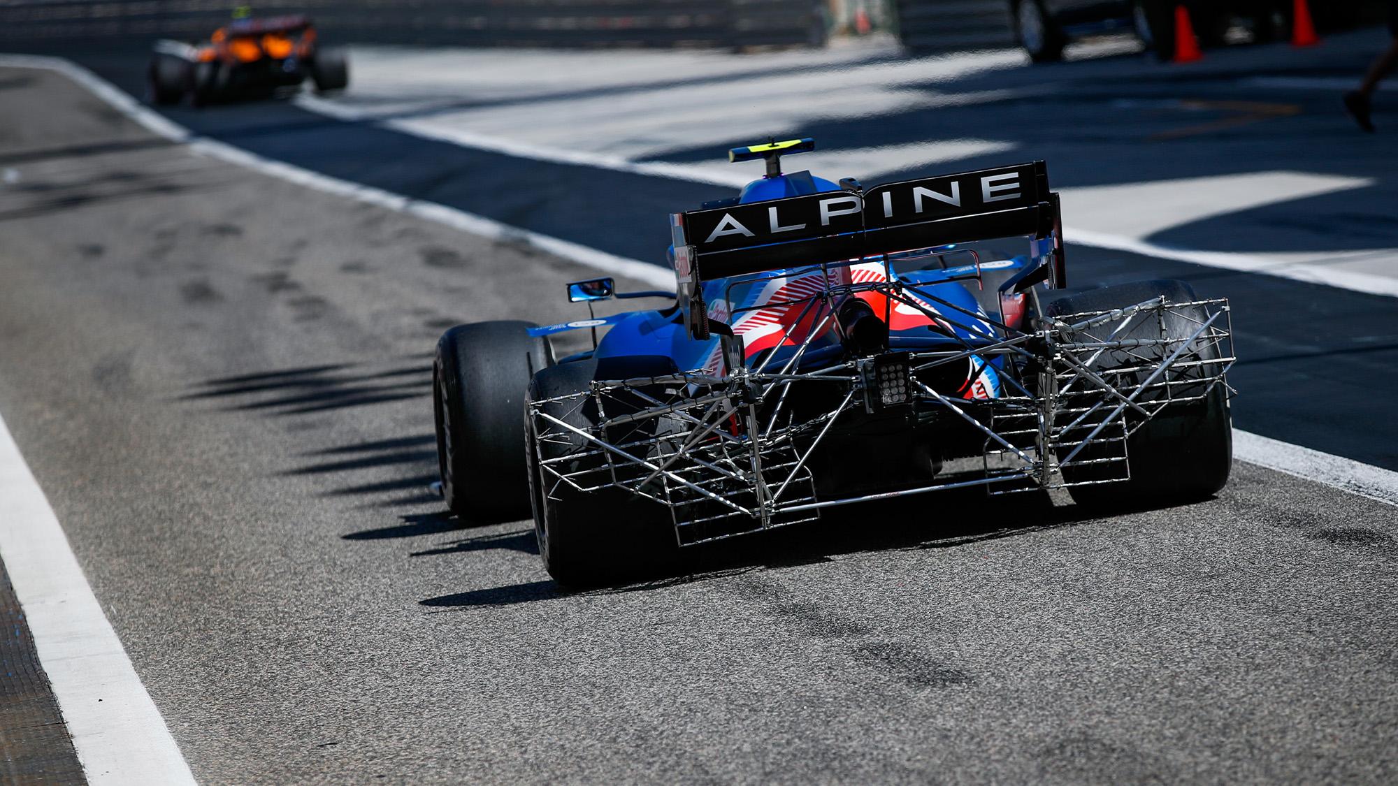 Rear aero rake on Alpine in 2021 F1 testing