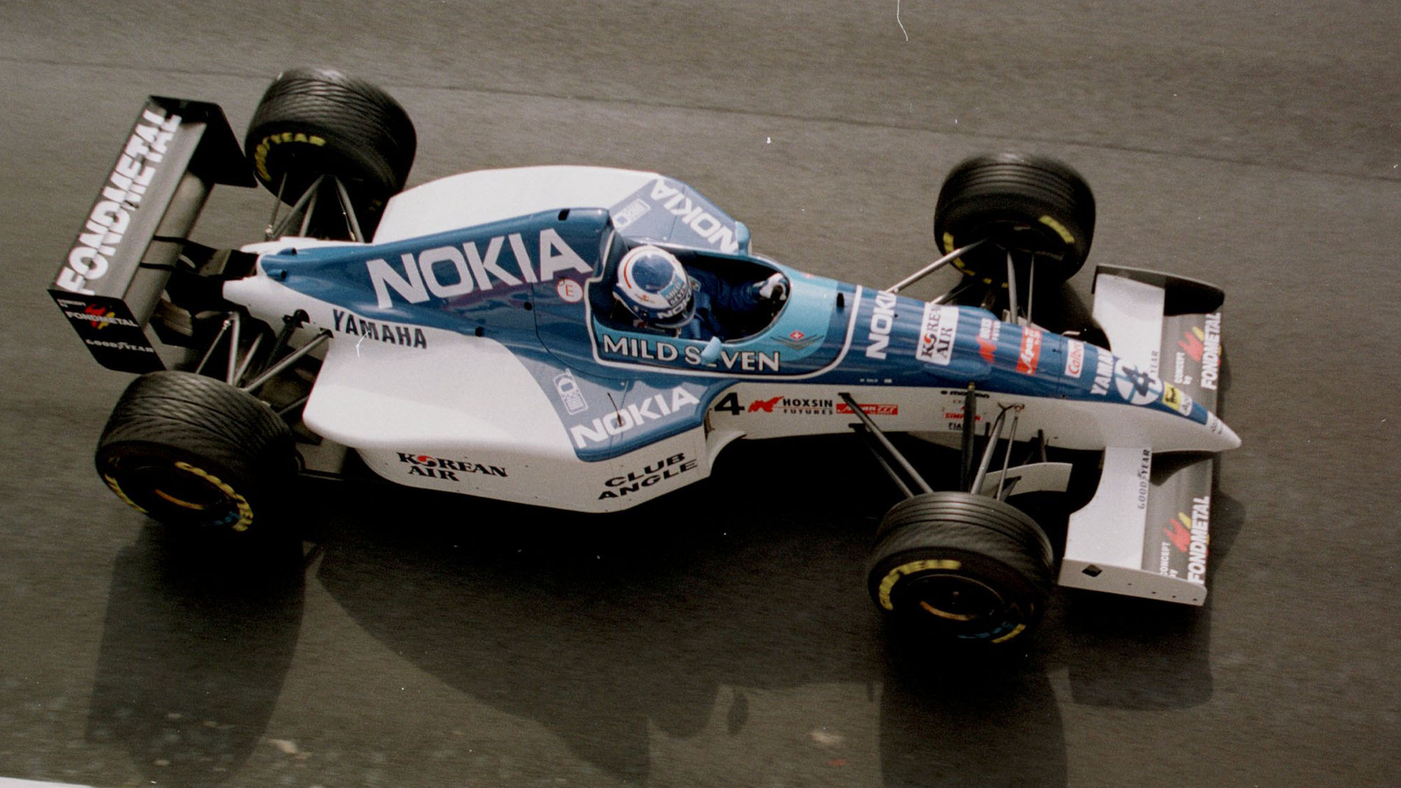 8th SEPT 1995: MIKA SALO OF FINLAND IN HIS TYRRELL AT PRACTICE FOR THE ITALIAN GRAND PRIX ,FORMULA ONE AT MONZA ,ITALY. Mandatory Credit: Mike Hewitt/ALLSPORT