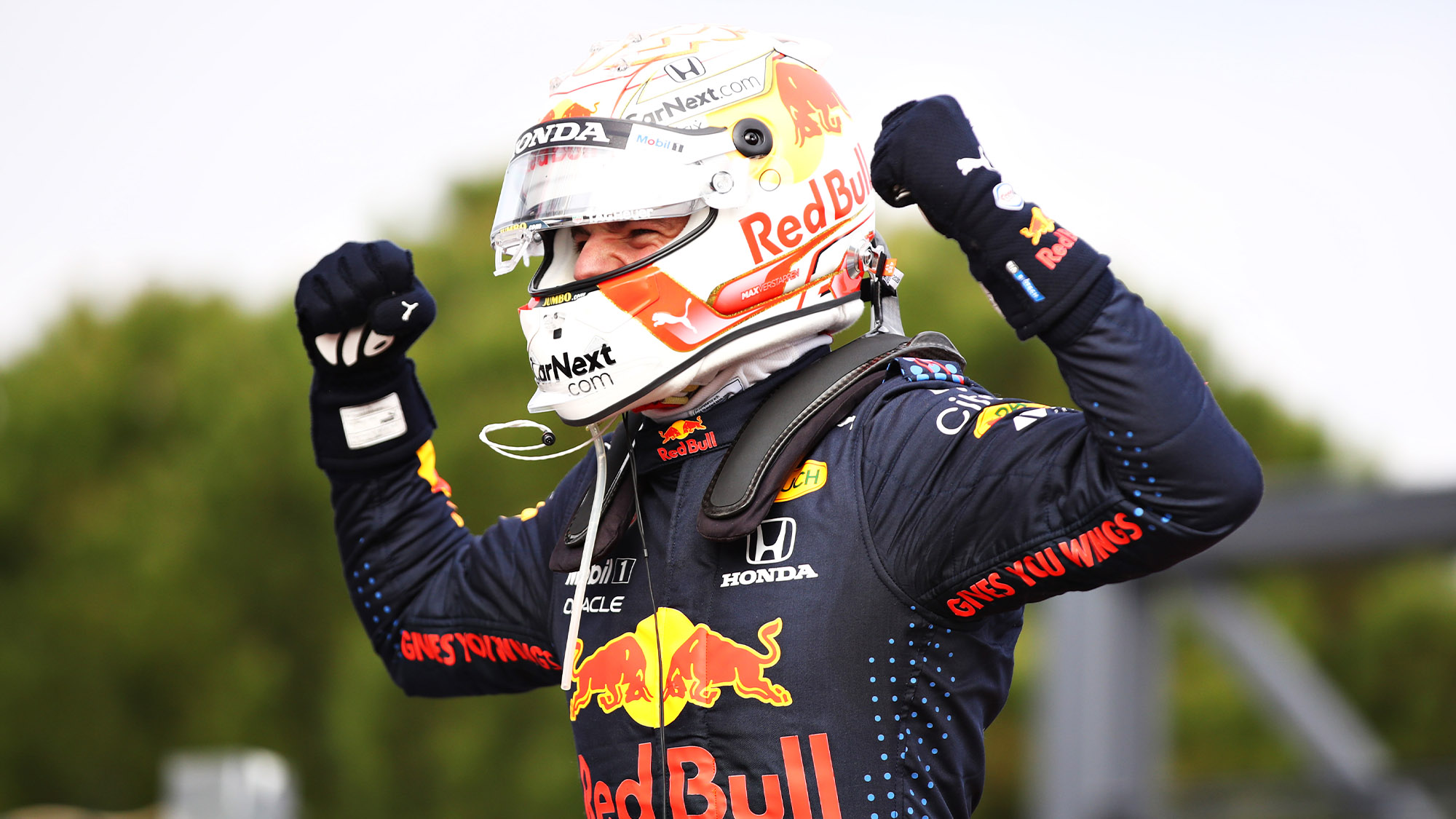 Max Verstappen celebrates winning the 2021 Emilia Romagna Grand Prix