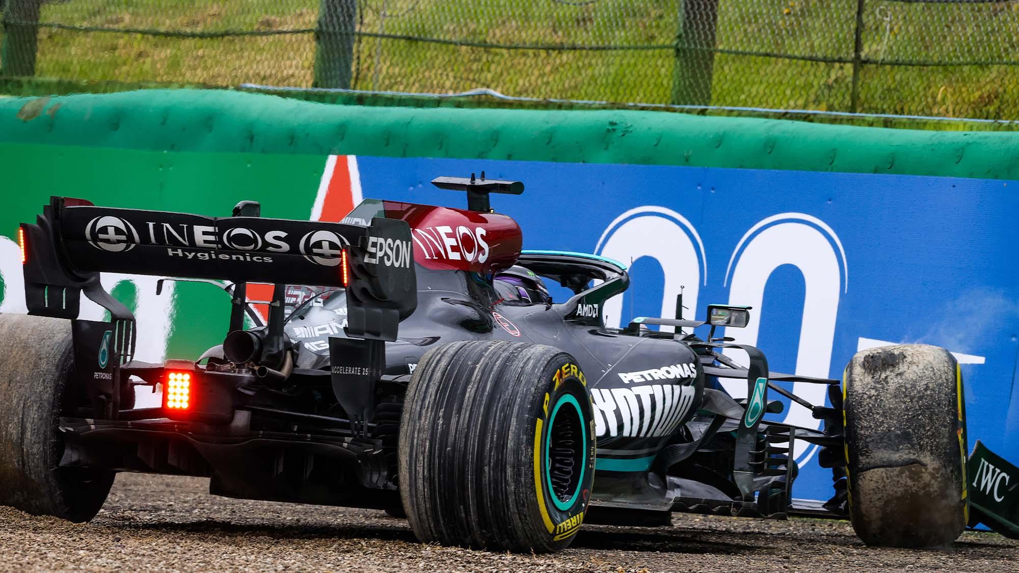 Lewis Hamilton crashes at the 2021 Emilia Romagna Grand Prix