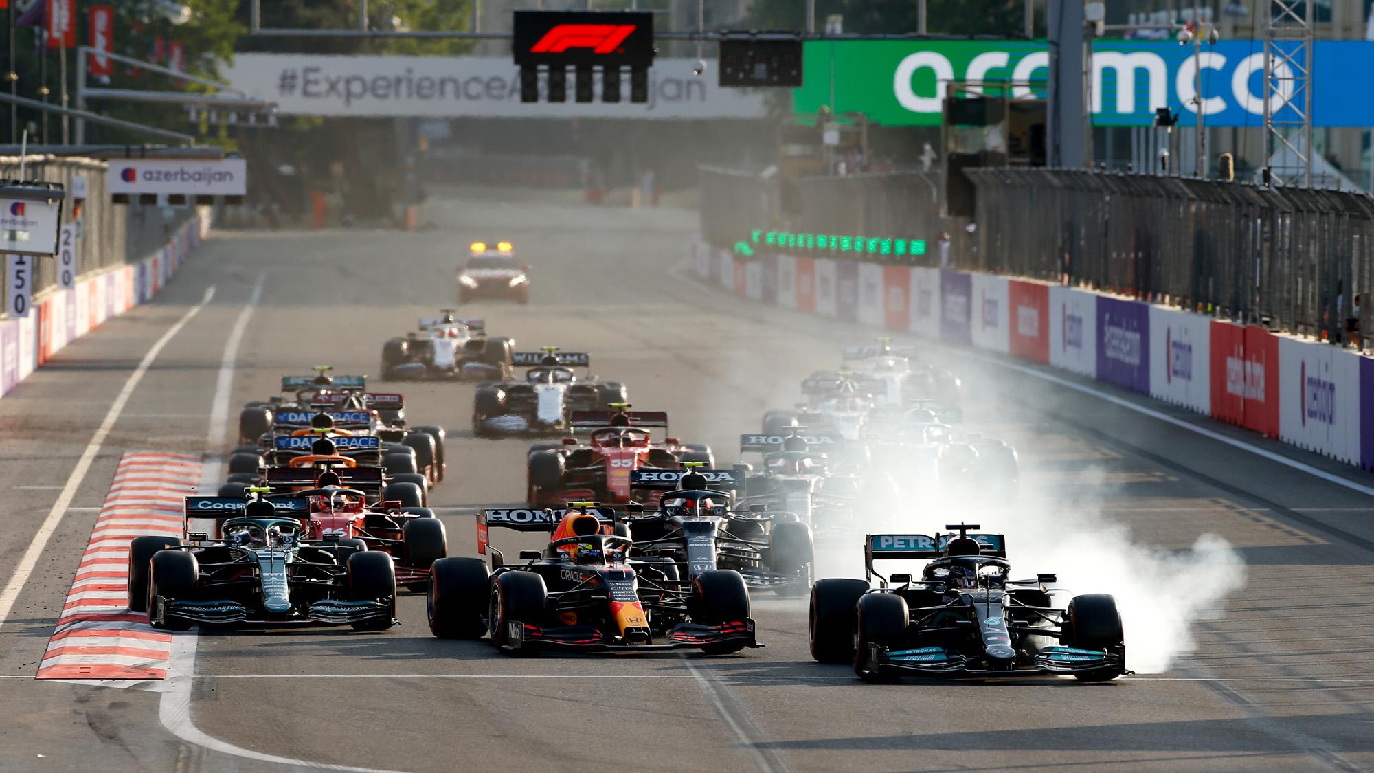 Lewis Hamilton locks up at the 2021 Azerbaijan GP restart