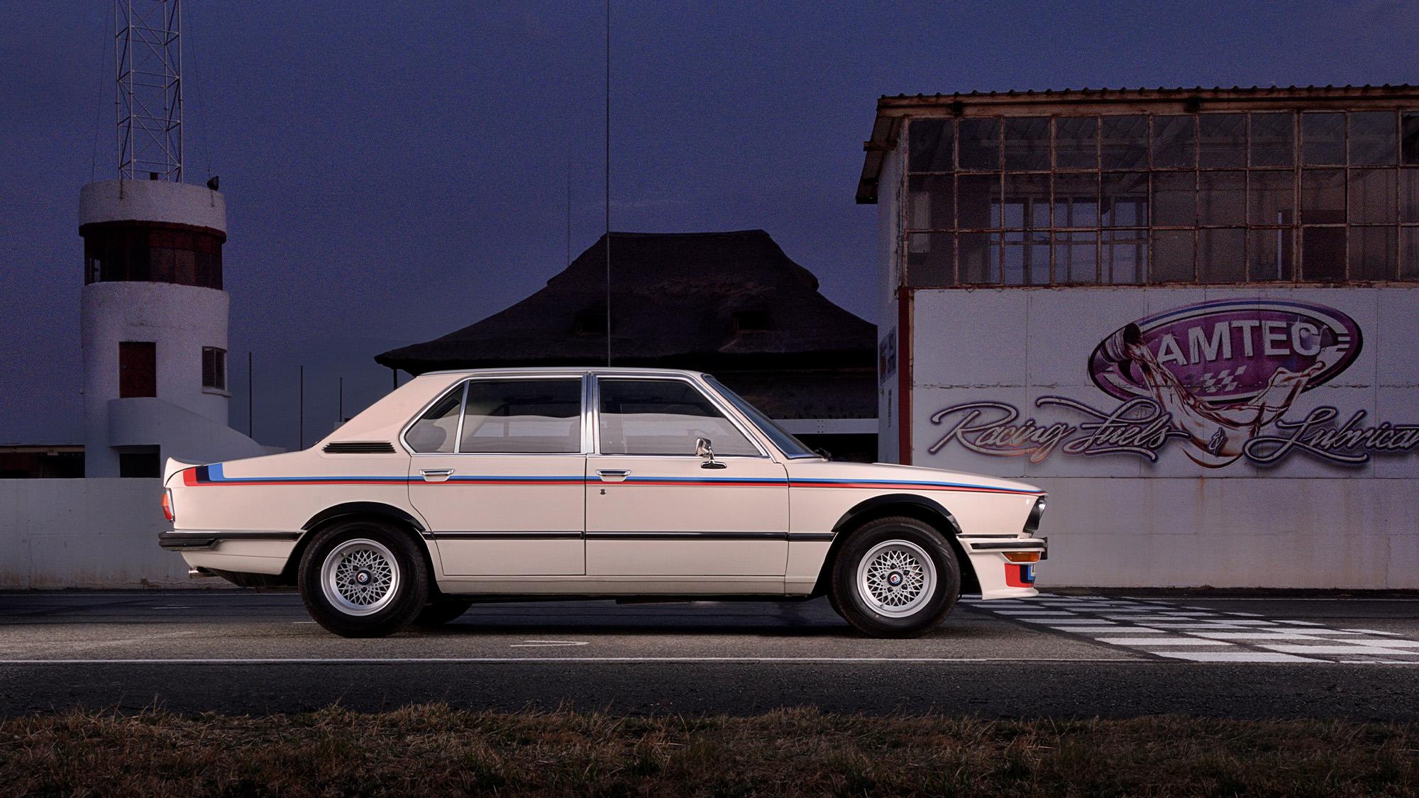 BMW 530 MLE side static