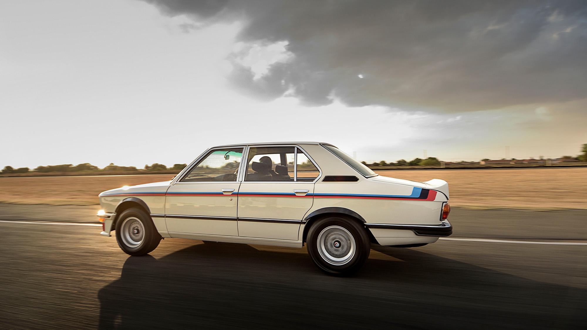 BMW 530 MLE side2 on track