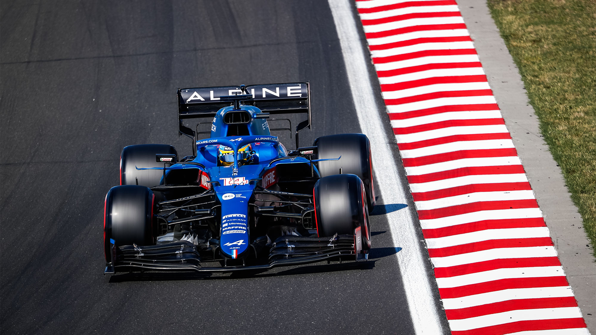 14 ALONSO Fernando (spa), Alpine F1 A521, action during the Formula 1 Magyar Nagydij 2021, Hungarian Grand Prix, 11th round of the 2021 FIA Formula One World Championship from July 30 to August 1, 2021 on the Hungaroring, in Mogyorod, near Budapest, Hungary - Photo Antonin Vincent / DPPI