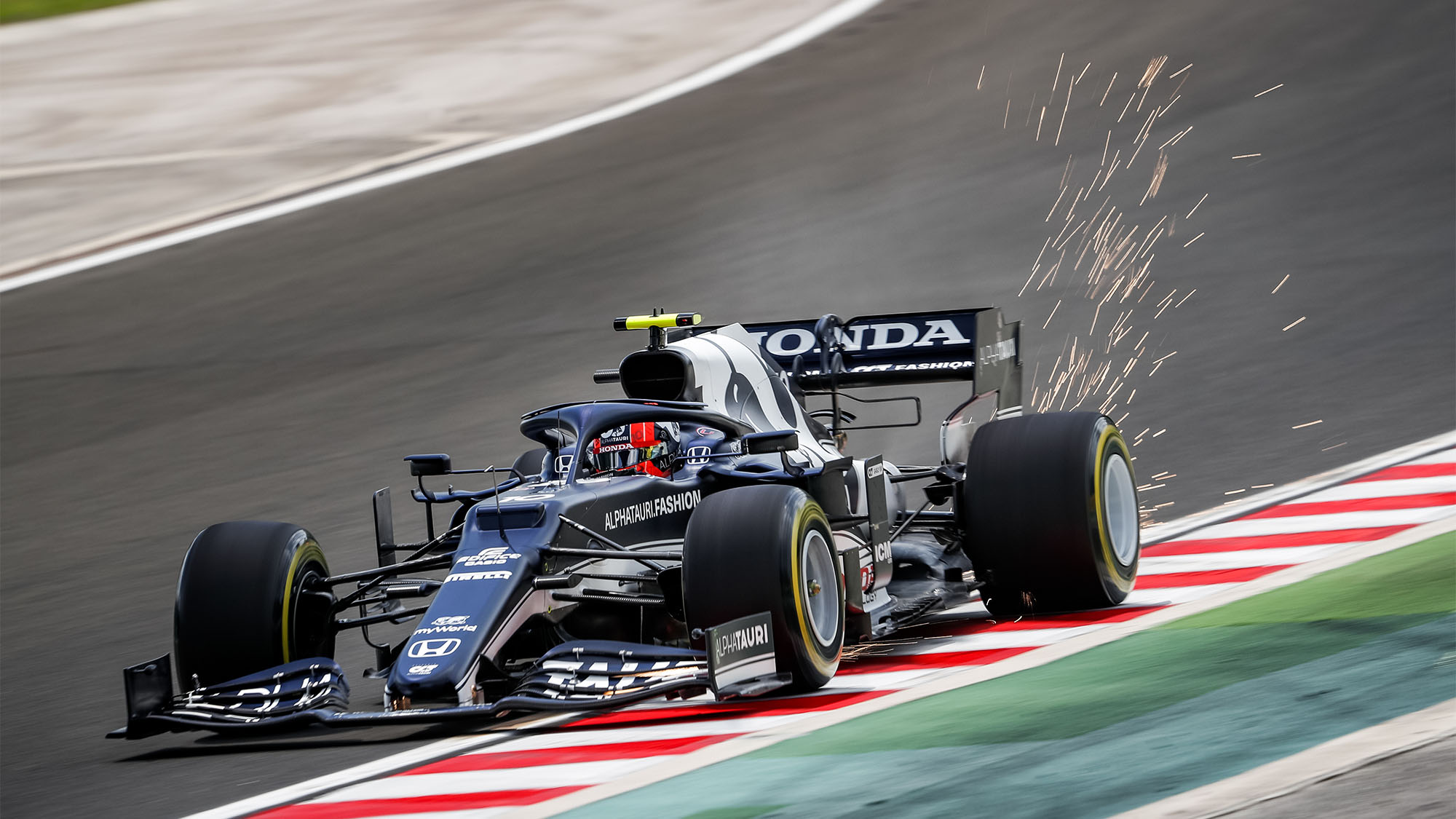 10 GASLY Pierre (fra), Scuderia AlphaTauri Honda AT02, action during the Formula 1 Magyar Nagydij 2021, Hungarian Grand Prix, 11th round of the 2021 FIA Formula One World Championship from July 30 to August 1, 2021 on the Hungaroring, in Mogyorod, near Budapest, Hungary - Photo Antonin Vincent / DPPI