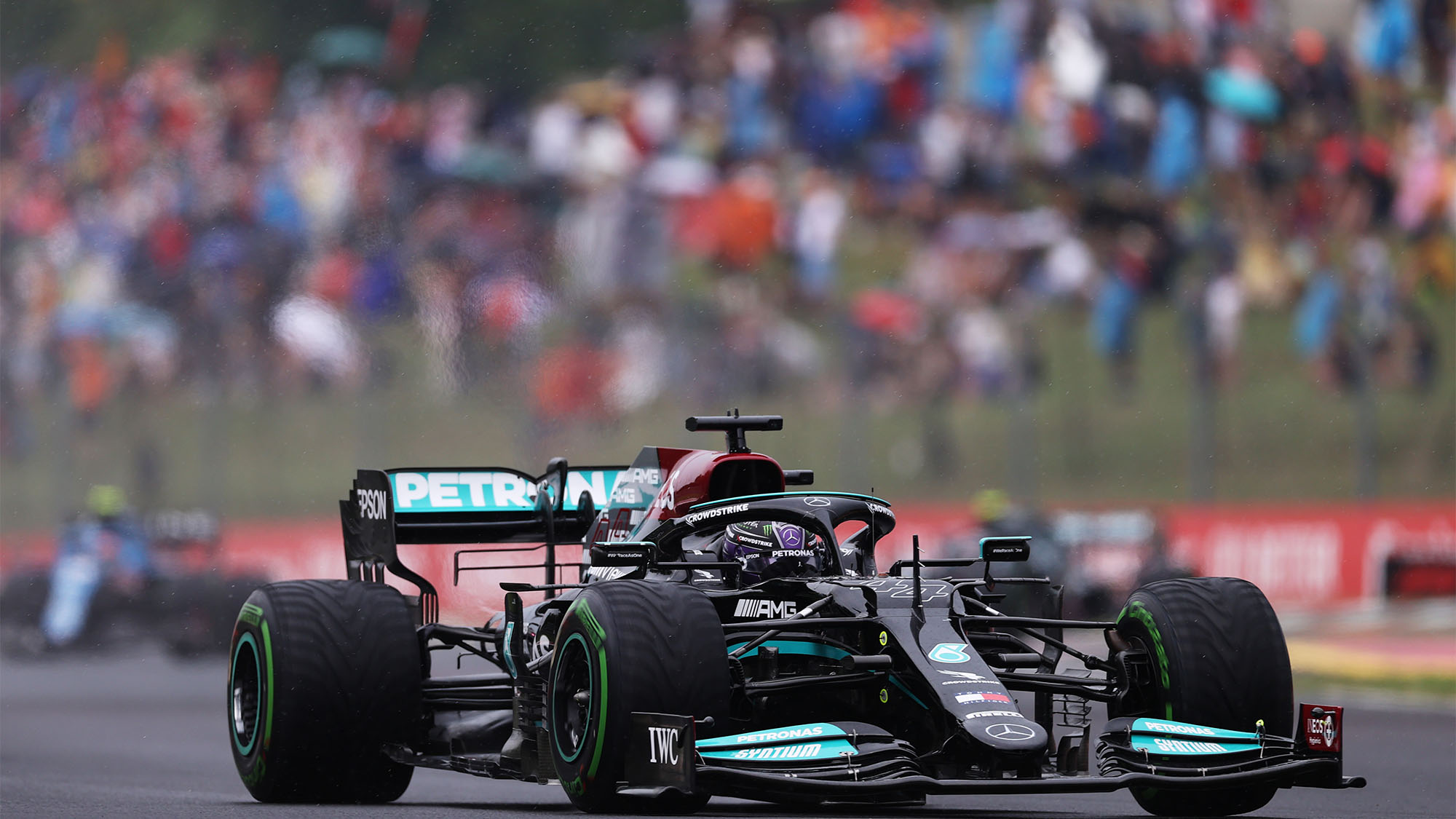 BUDAPEST, HUNGARY - AUGUST 01: Lewis Hamilton of Great Britain driving the (44) Mercedes AMG Petronas F1 Team Mercedes W12 during the F1 Grand Prix of Hungary at Hungaroring on August 01, 2021 in Budapest, Hungary. (Photo by Lars Baron/Getty Images)