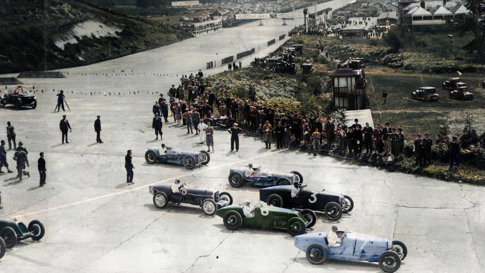 Start of the first British Grand Prix at Brooklands in 1926