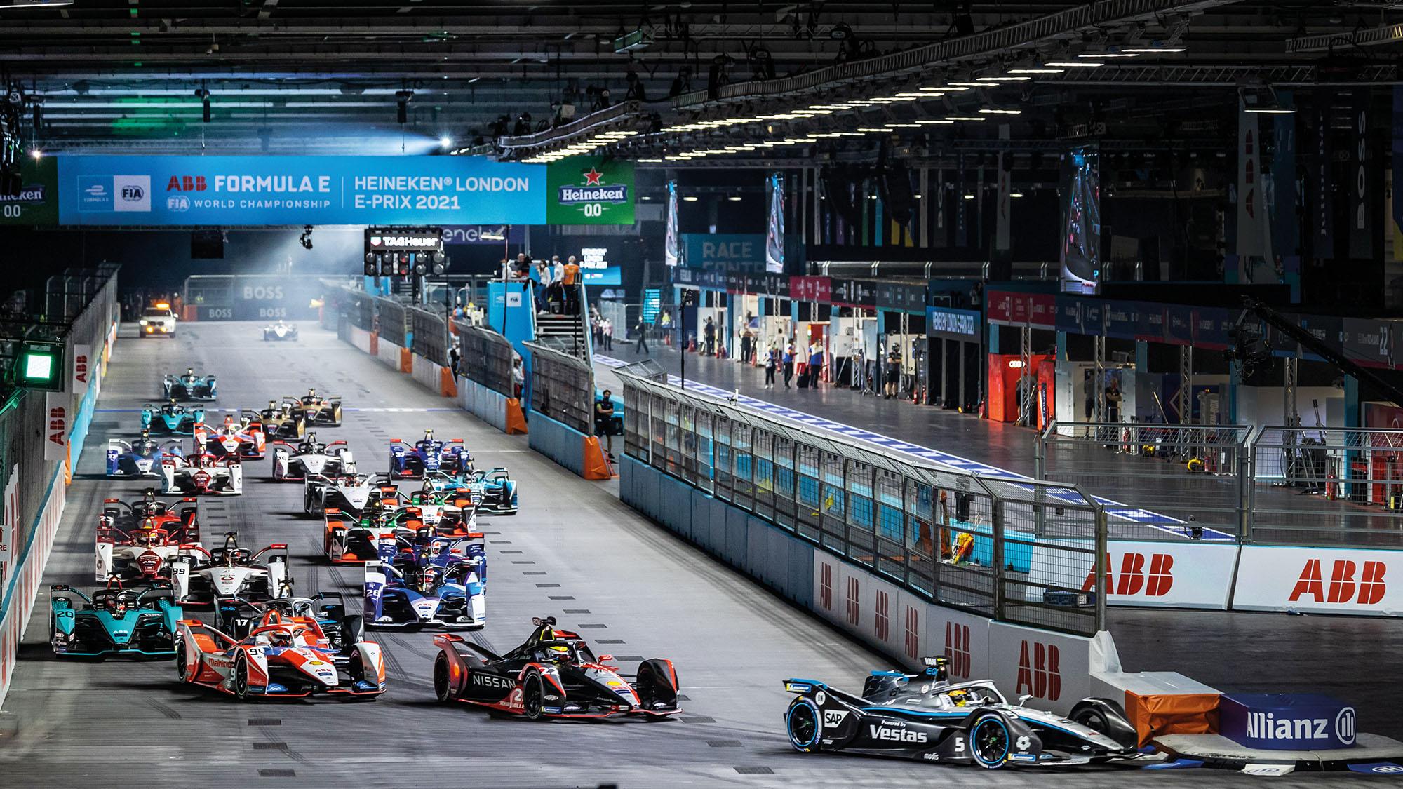 Start of the 2021 Formula E London E-Prix