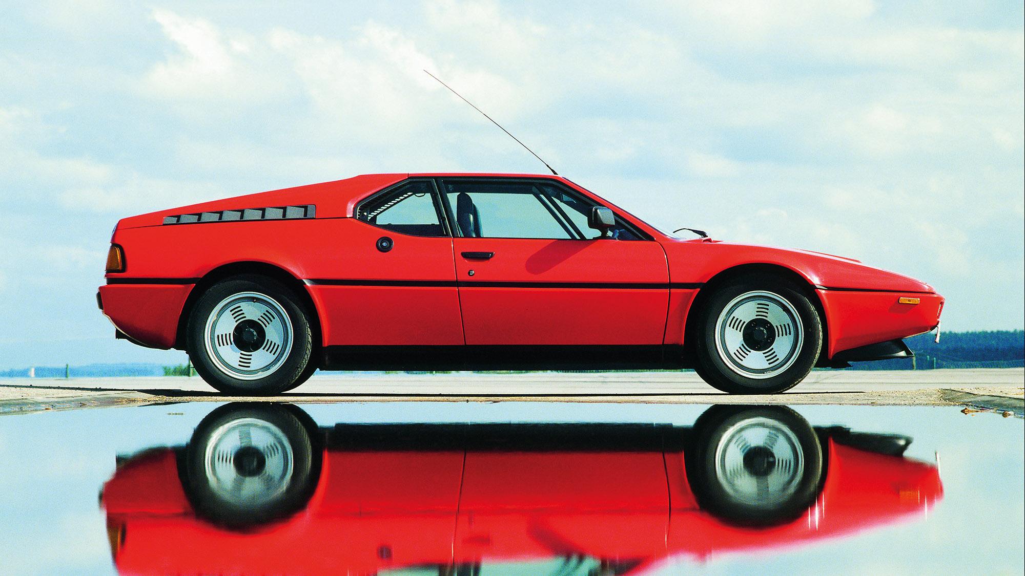 BMW M1 side