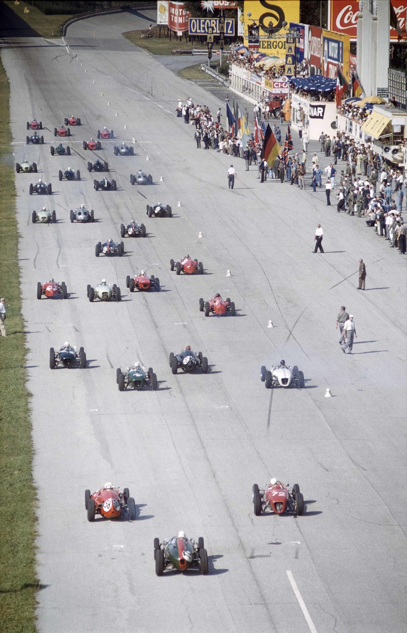 Start-of-the-1961-Italian-Grand-Prix