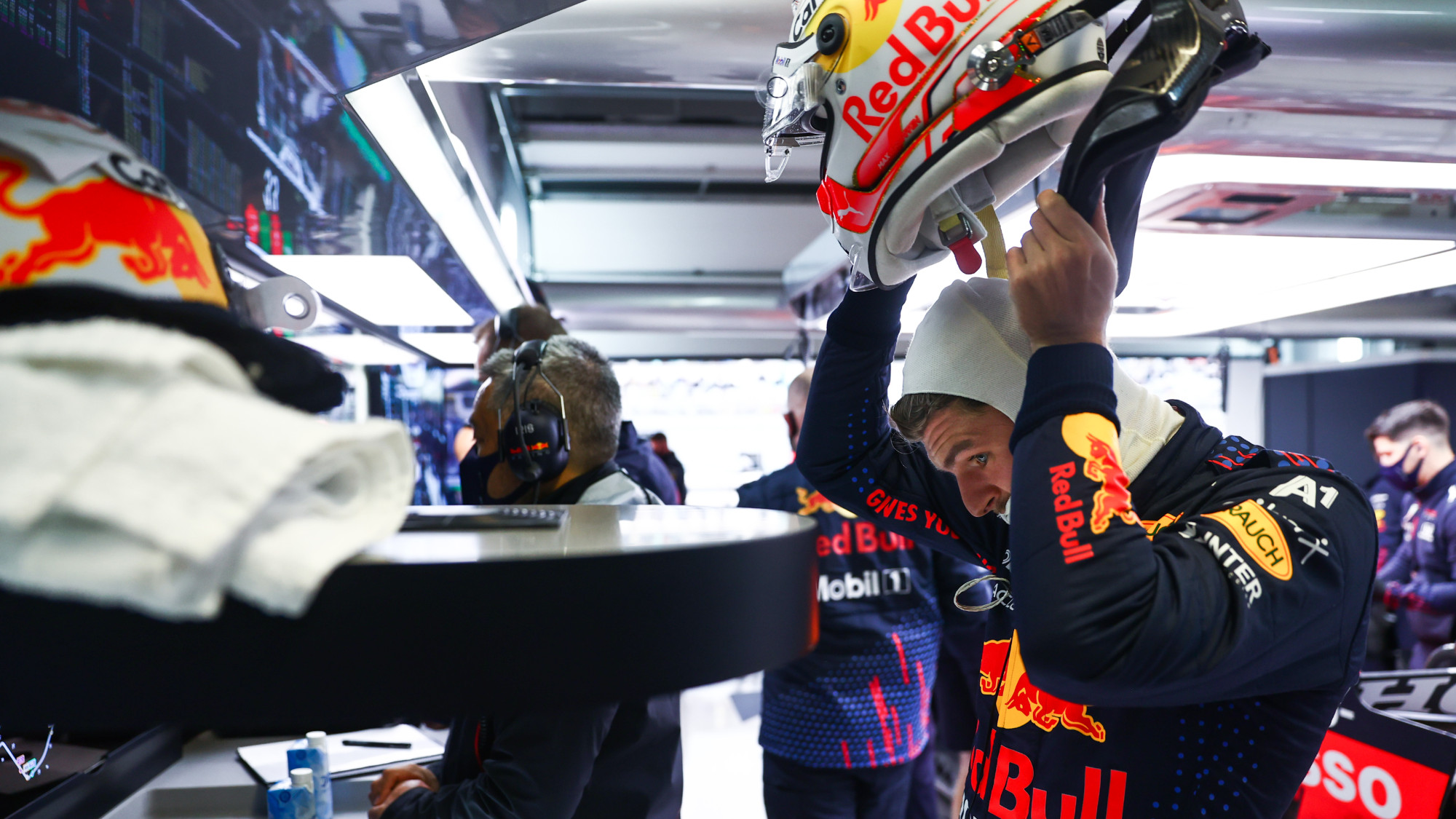 Max Verstappen takes off his helmet