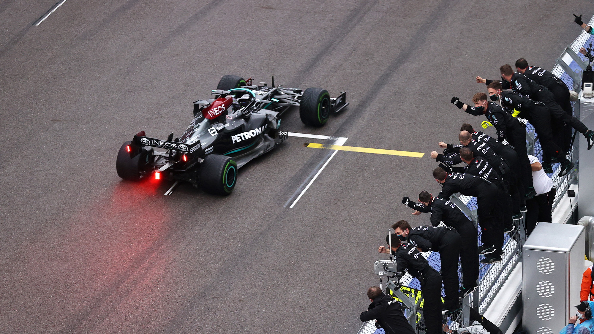 Lewis Hamilton cheered by his Mercedes team as he wins the 2021 Russian Grand Prix