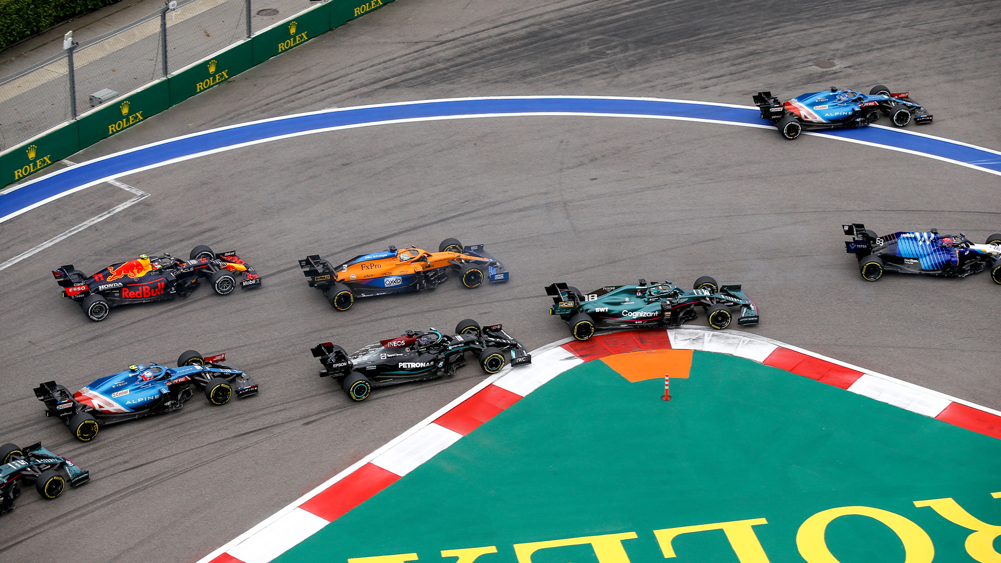 Lewis Hamilton falls back at the start of the 2021 Russian Grand Prix