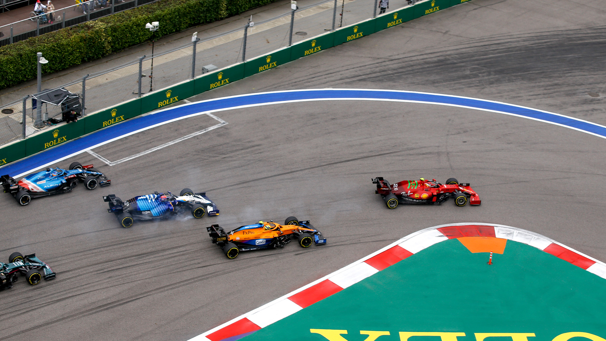 Carlos Sainz leads at the satrt of 2021 Russian Grand Prix