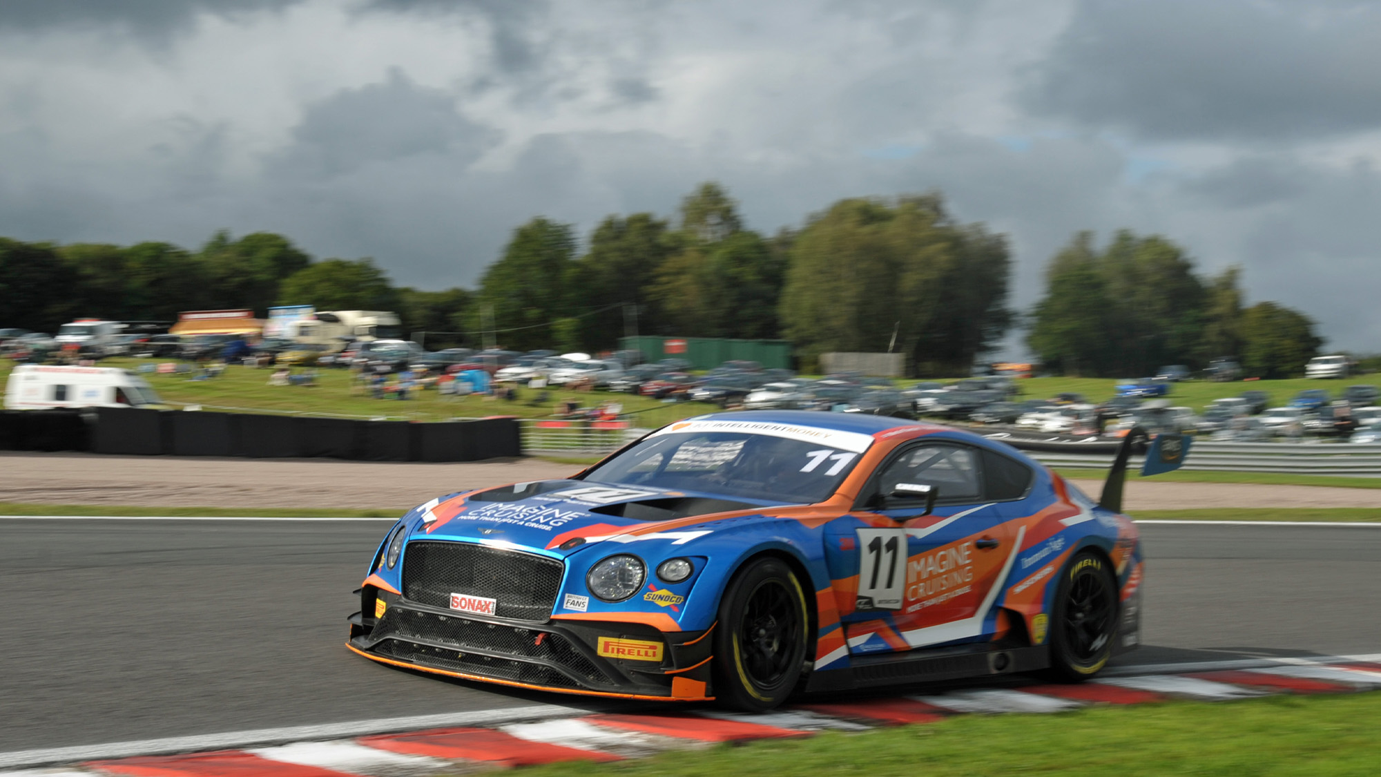 Bentley of Kevin Fletcher and Martin Plowman at Oulton Park