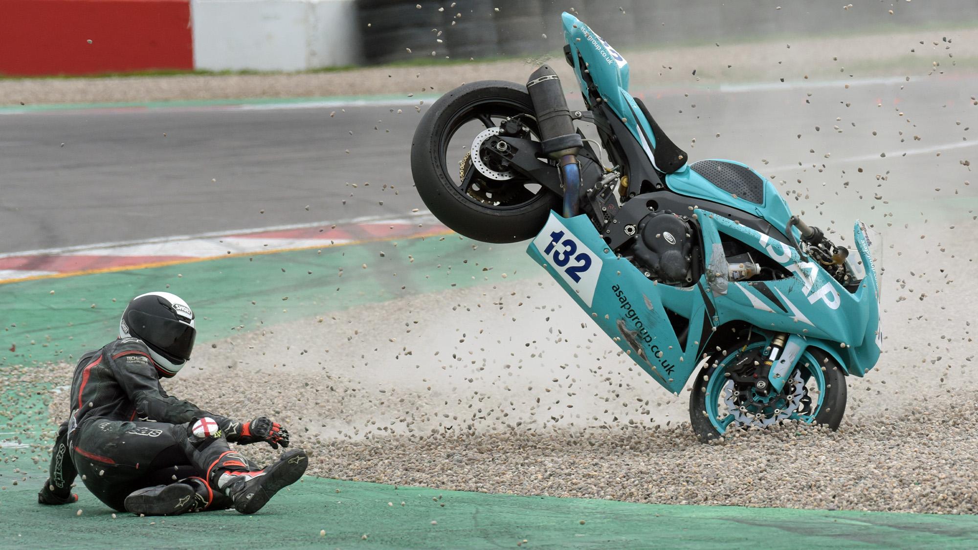 Michael Gilbert crashes out at Donington