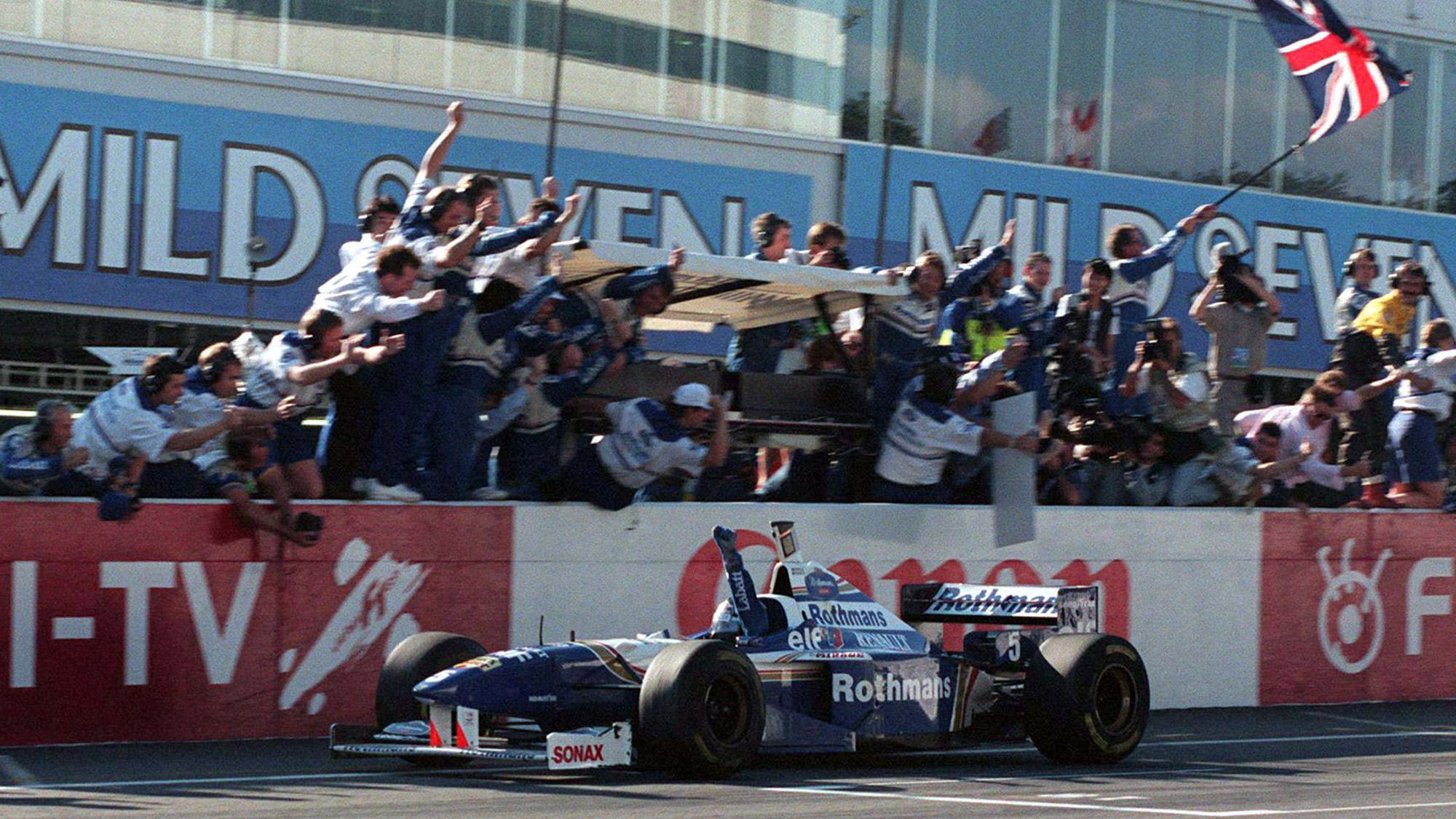 Damon Hill wins Japanese GP and 1996 World Championship